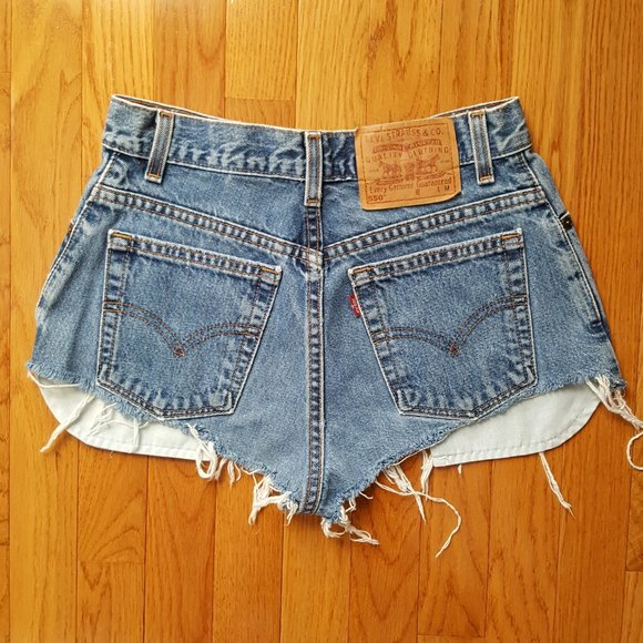 Vintage 90's High Waist Levi's Jeans Booty Shorts